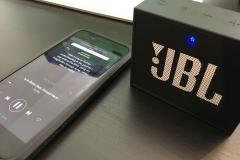 JBL GO Portable Bluetooth Lautsprecher test - mit handy verbunden