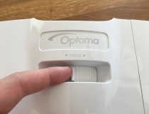 Optoma GT1080 Darbee Kurzdistanzbeamer Zoom