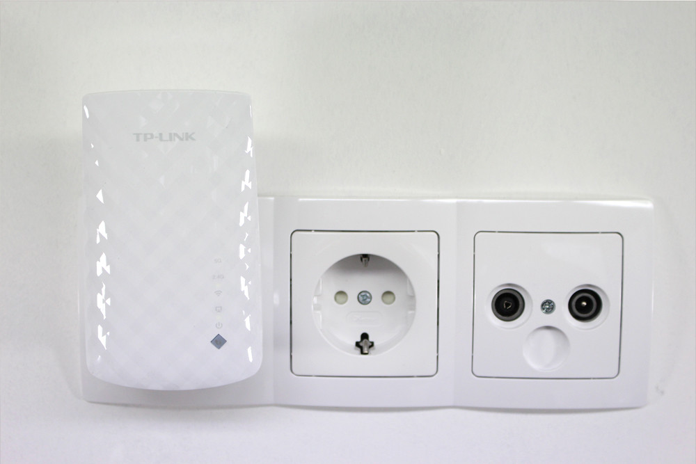 tp link re200 ac750 wlan repeater hifi. Black Bedroom Furniture Sets. Home Design Ideas
